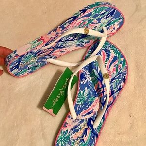 a7da3de5c Lilly Pulitzer Shoes - Lilly Pulitzer pool flip flop jet stream size 7 8